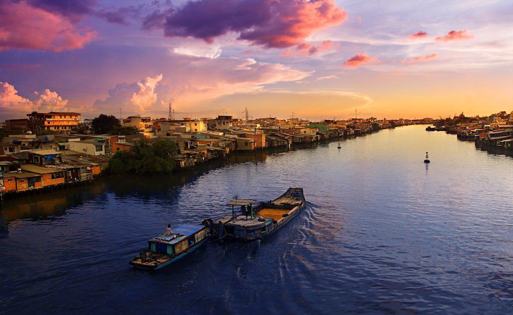 Plovoucí trhy na řece Mekong