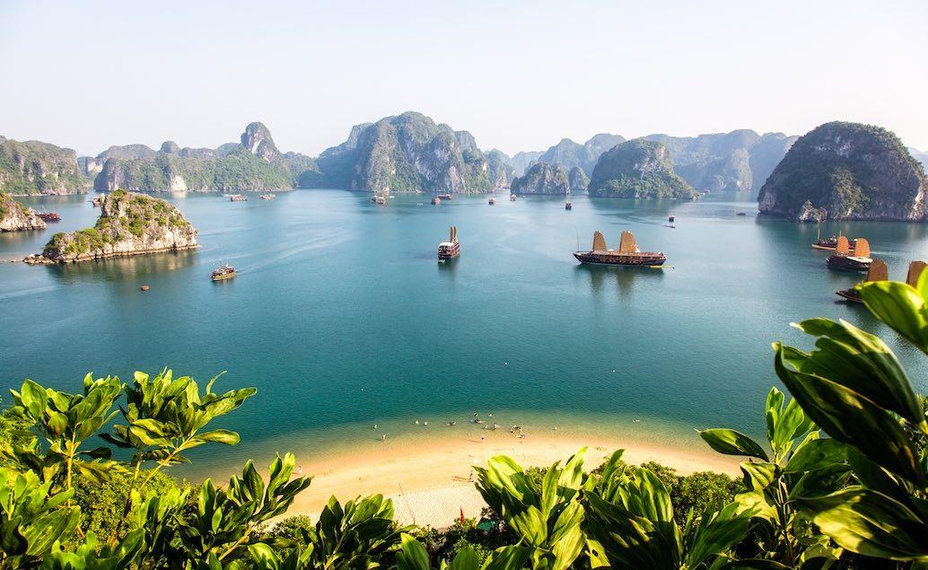 Plavba po zátoce Halong